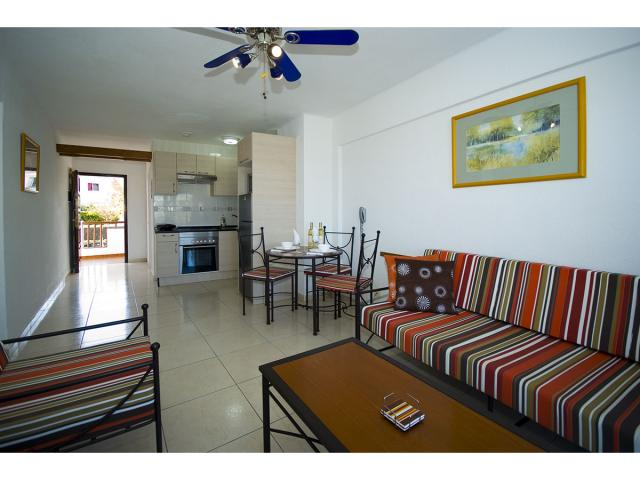 1 bedroom refurbished apartment - Tenerife Apartments, San Eugenio, Tenerife